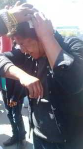 La policía lanza a quemarropa su arsenal hiriendo a los estudiantes.