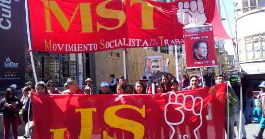 Militancia del MST Juventud Socialista en marcha obrera independiente, 1 de mayo de 2018.
